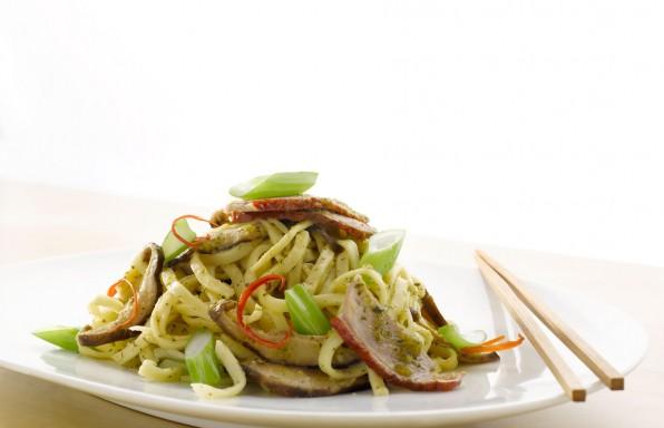 Stir Fry Hokkien Flat Noodles with Tangy Sauce